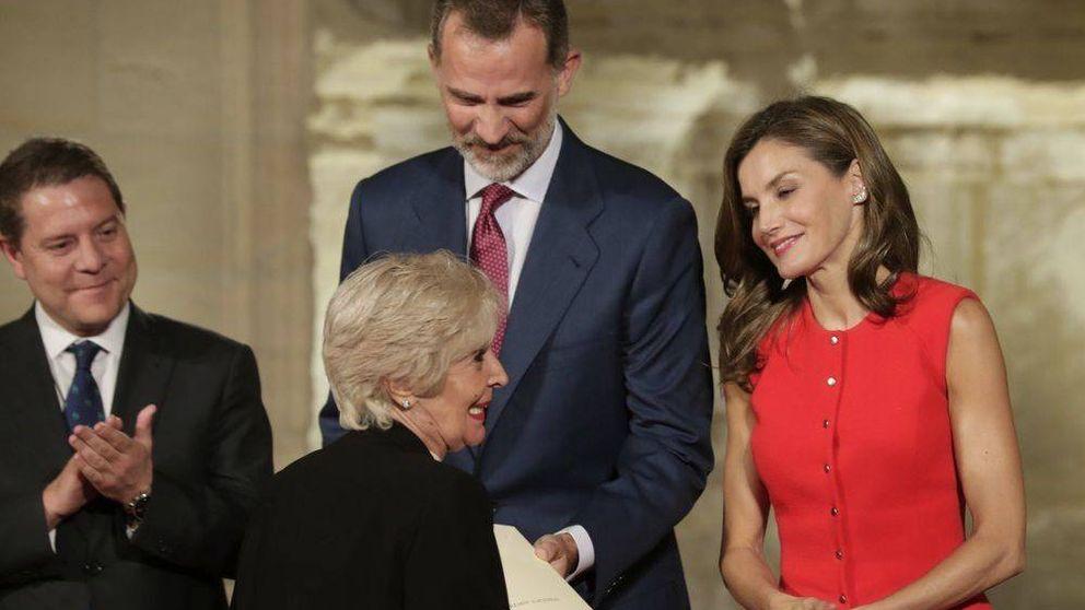 Concha Velasco aclara la polémica con Motos por su foto con la reina Letizia