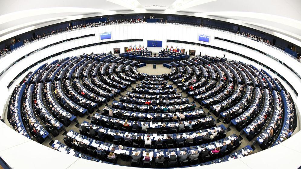Foto: Eurodiputados votan sobre la futura composición del Parlamento Europeo tras el Brexit. (EFE)