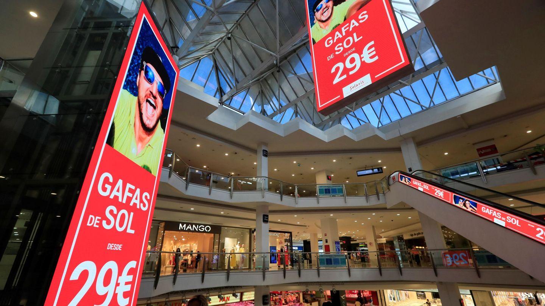 Interior del centro comercial La Vaguada. (EFE/Fernando Alvarado)