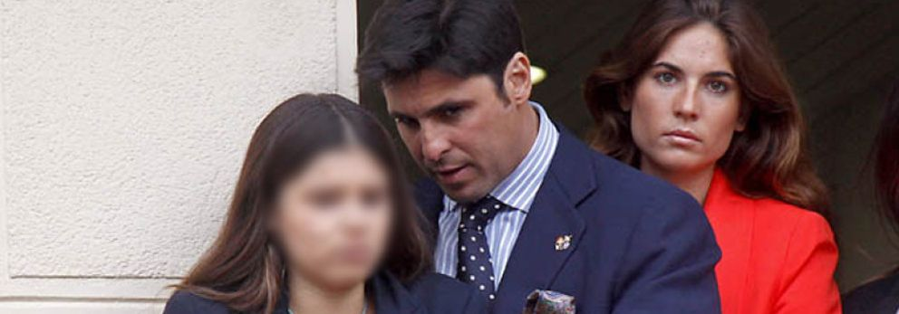 La novia de Francisco Rivera invita a Tana a una capea