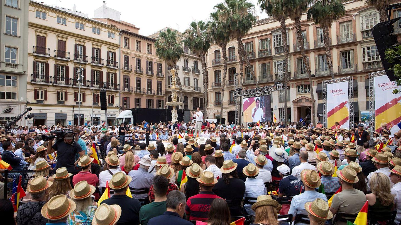 En torno a 4.000 personas se congregan en Málaga en el acto de 'Plataforma Ciudadana'. (EFE)