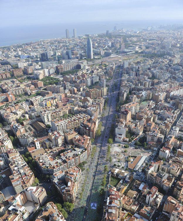 Foto: Imagen aérea de la celebración de la Diada. (Reuters)