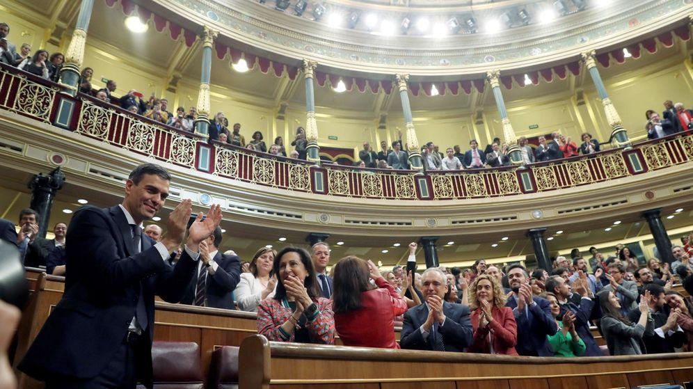 Foto: Pedro Sánchez, tras ser elegido presidente. (EFE)