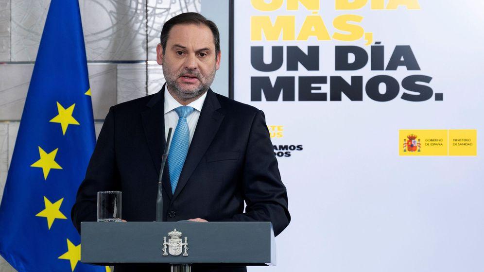Foto: Fotografía facilitada por Moncloa del ministro de Transportes, Movilidad y Agenda Urbana, José Luis Ábalos, durante una rueda de prensa. (EFE)