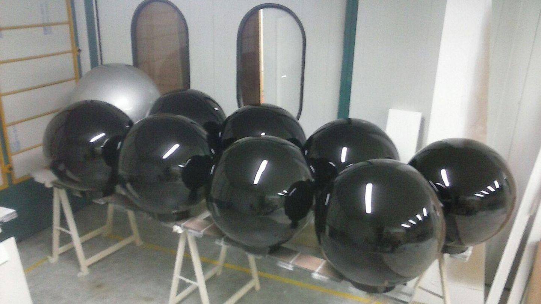 Las bombas en la fase de pintura. (MatFiser/EL CONFI TV)