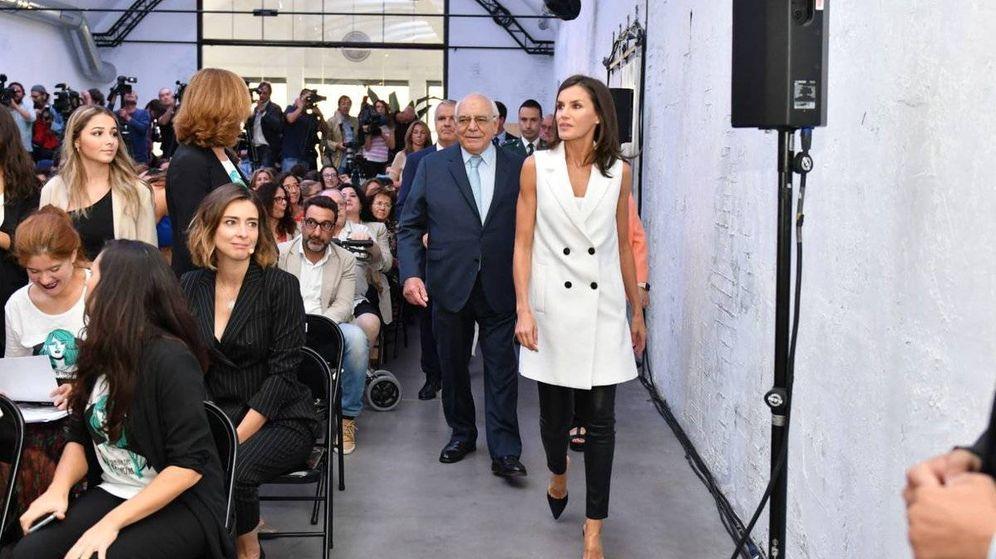Foto:  La reina Letizia y Sandra Barneda.