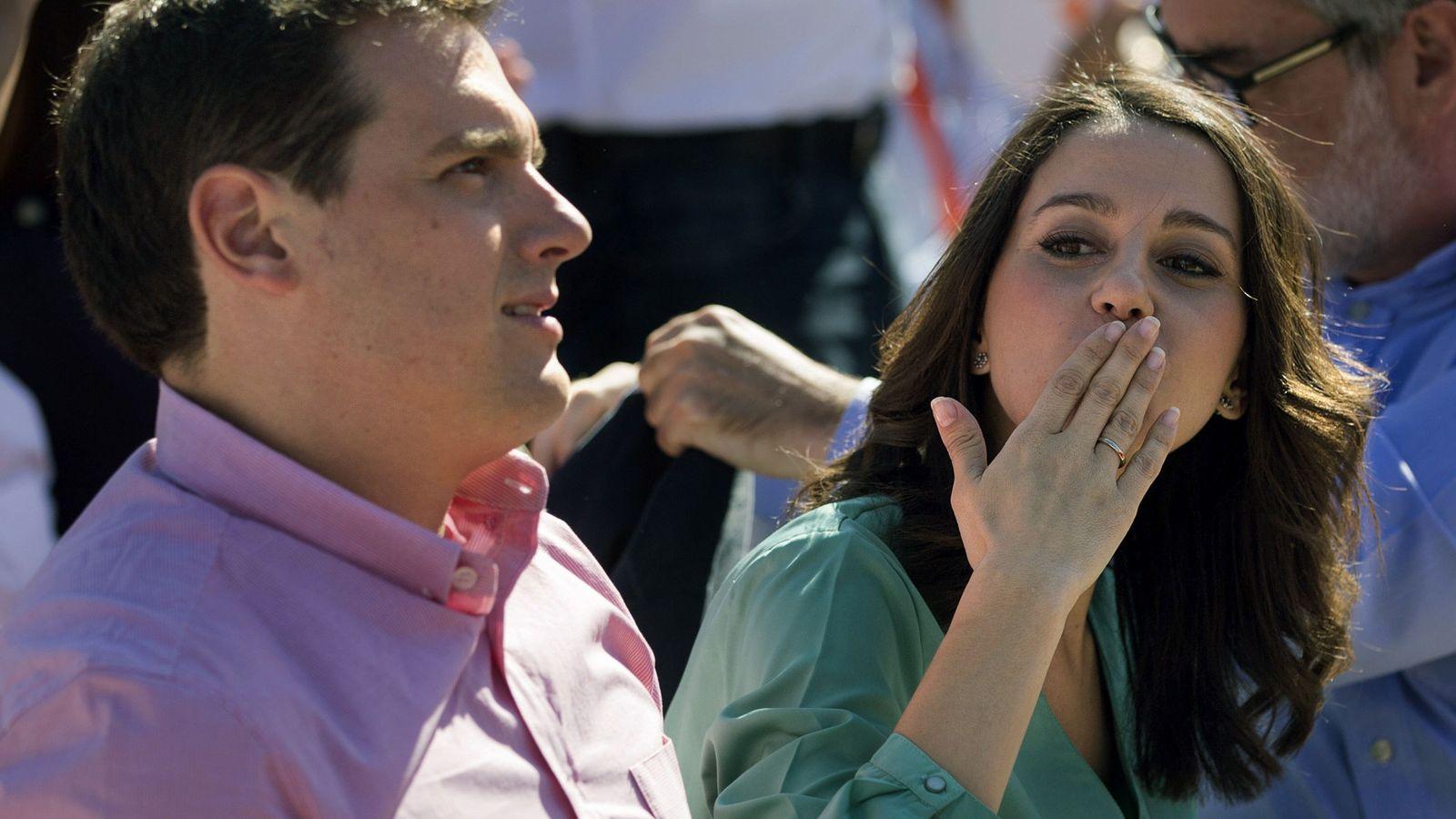 Foto: El presidente de Ciudadanos, Albert Rivera (i), junto a Inés Arrimadas. (EFE)