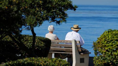 Jubilados que juegan al 'Pokemon Go' para combatir  la soledad
