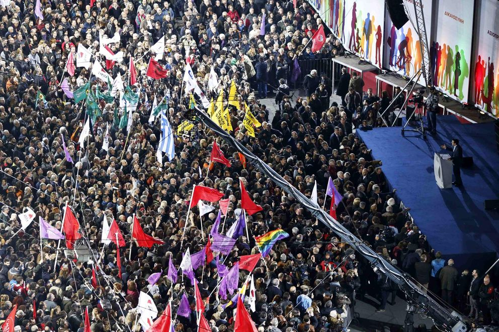 Foto: El líder de Syriza, Alexis Tsipras, se dirige a sus simpatizantes en el mitin celebrado en Atenas (Reuters).