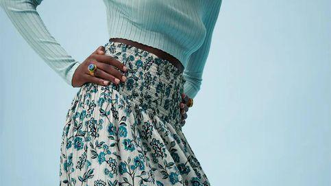 La falda midi que Zara ha vendido en masa es esta con estampado de flores