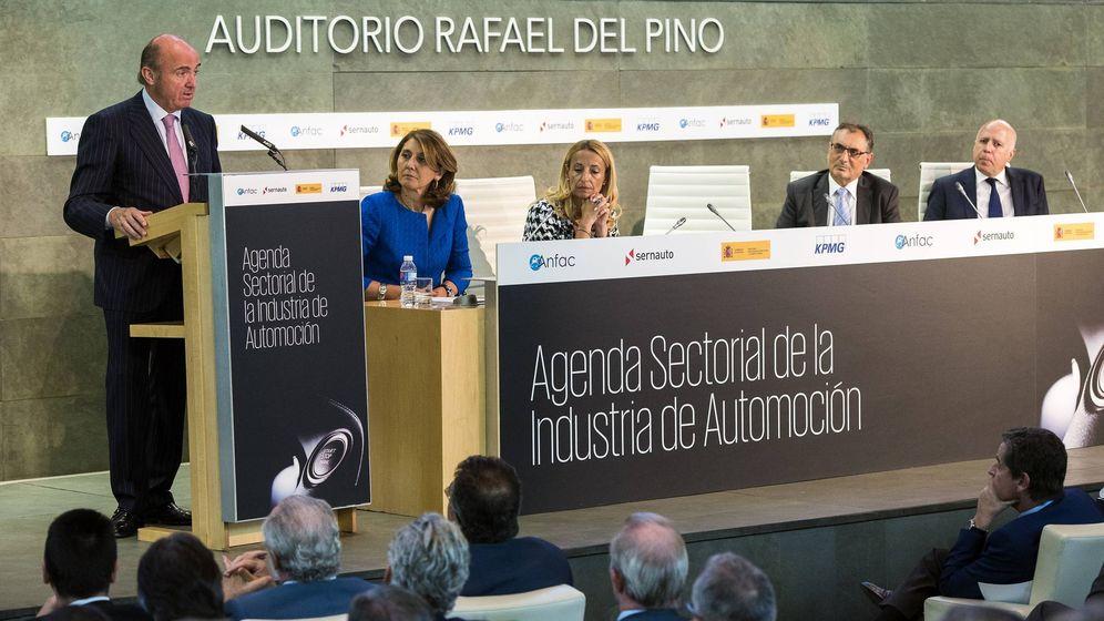 Foto: Luis de Guindos en la presentación de la Agenda Sectorial de la Industria de Automoción.