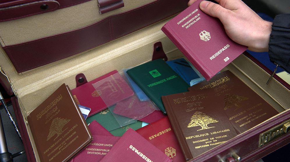 Foto: Operación contra una red de pasaportes falsos en Alemania. (EFE)