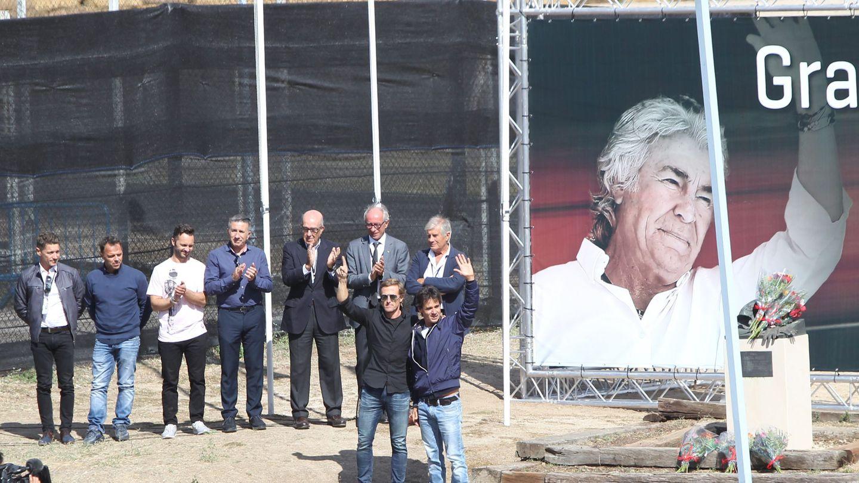 Tributo a Ángel Nieto en Madrid con sus hijos. (Cordon Press)