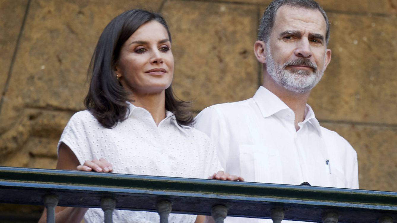 La reina Letizia conjura a la buena suerte con un look impoluto en La Habana