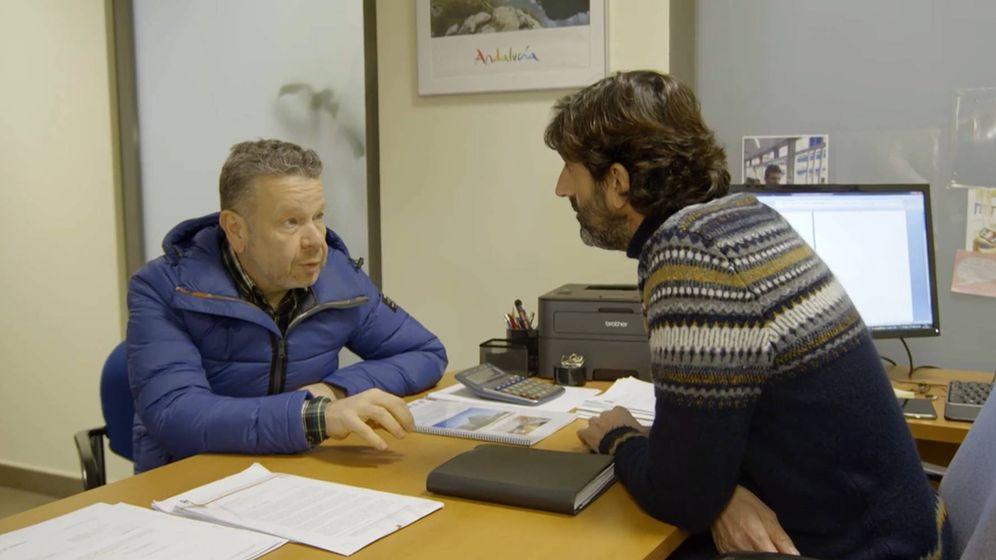 Foto: Alberto Chicote y Alberto Aguilera, Antonio Aguilera, subdirector de Instalaciones de la Junta de Andalucía, en '¿Te lo vas a comer?'. (La Sexta)