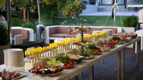 ¿En qué aspectos debemos fijarnos al contratar un catering?