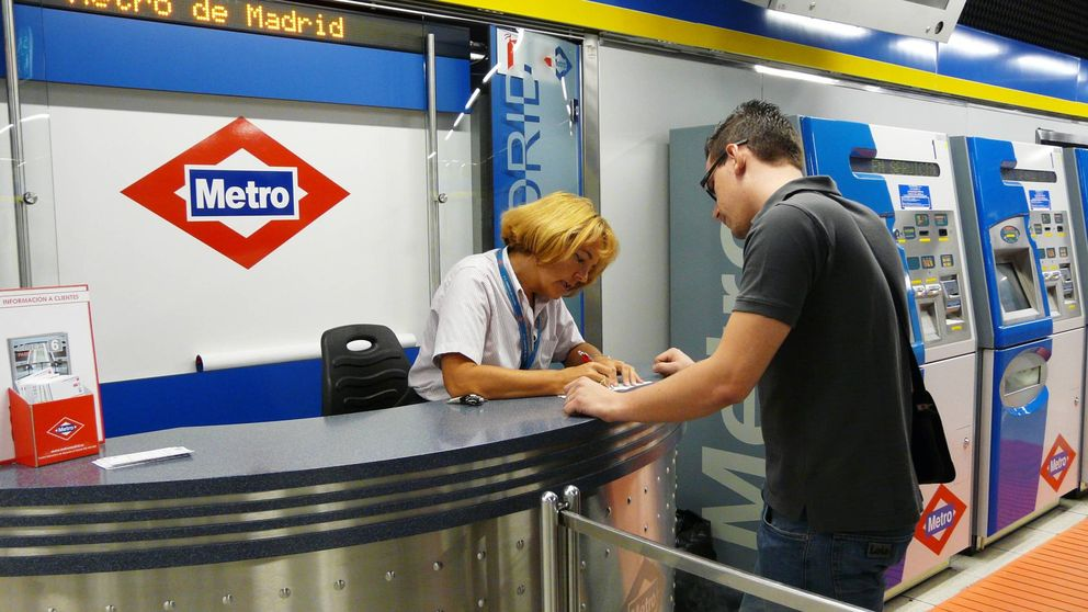 Metro de Madrid se rinde a las máquinas y anuncia el cierre de todas sus taquillas