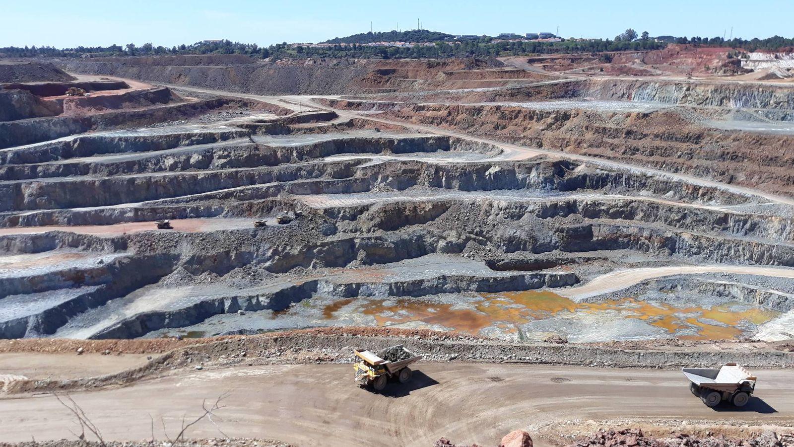Foto: La milenaria corta de Cerro Colorado, de nuevo en explotación. (C. P.)