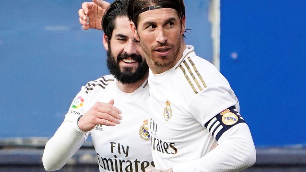 Foto: Isco (i) y sergio Ramos marcaron los goles del Real Madrid en Pamplona. (Reuters)