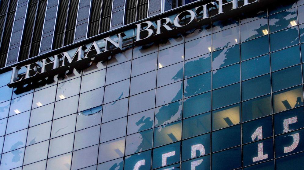 Foto: Logotipo del banco de inversiones estadounidense Lehman Brothers en la sede mundial de la compañía en Nueva York. (EFE)