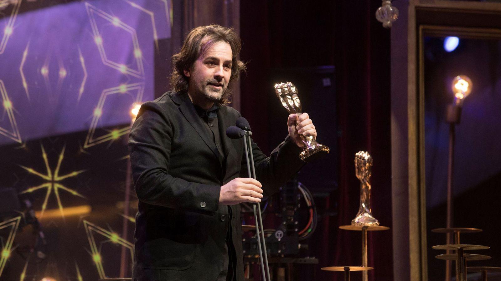 Foto: Isaki Lacuesta, gran triunfador de los Premios Gaudí. (Efe/ Marta Pérez)
