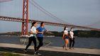 Portugal celebra con cautela su gradual vuelta a la normalidad