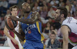 El Baskonia pone la raza para lograr la victoria ante Maccabi (84-80)