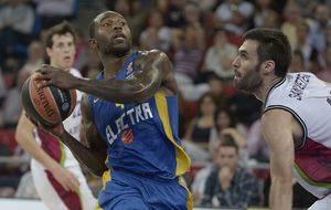 El Baskonia pone la raza para abrochar la primera victoria ante Maccabi (84-80)