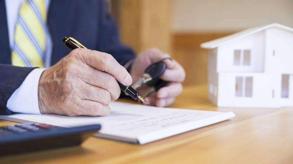 Foto: Si destino un piso heredado a vivienda habitual, ¿debo pagar impuestos? (iStock)
