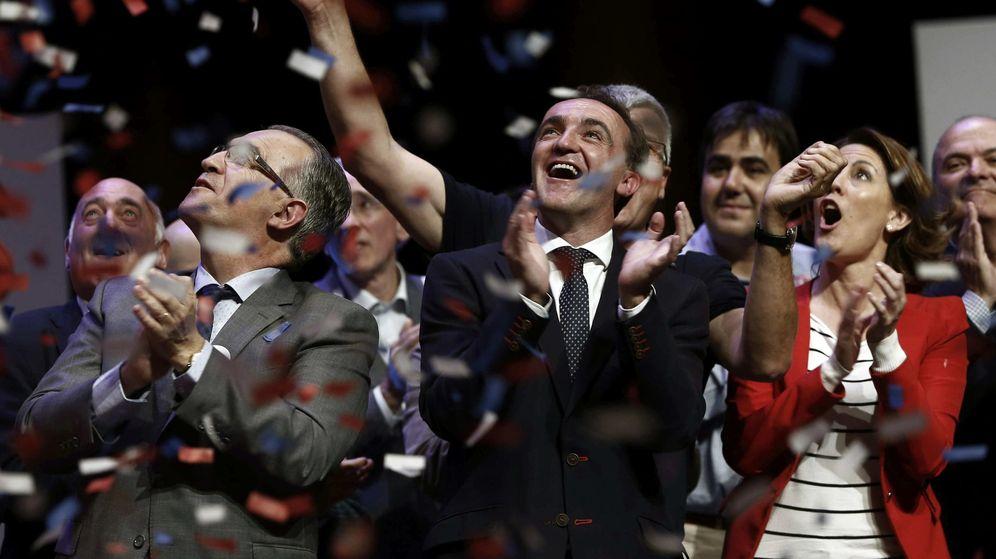 Foto: Mitin central de UPN Pamplona. Javer Esparza encabeza la candidatura en sustitución de Yolanda Barcina (EFE).