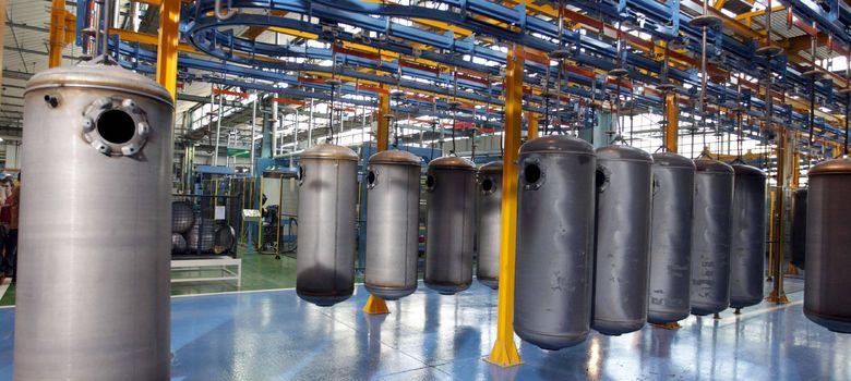 Foto: Interacumuladores en al cadena de producción que Fagor Electrodomésticos