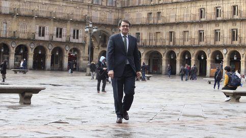 Enredo en el PP por la autonomía de León: Mañueco reprende a los concejales díscolos