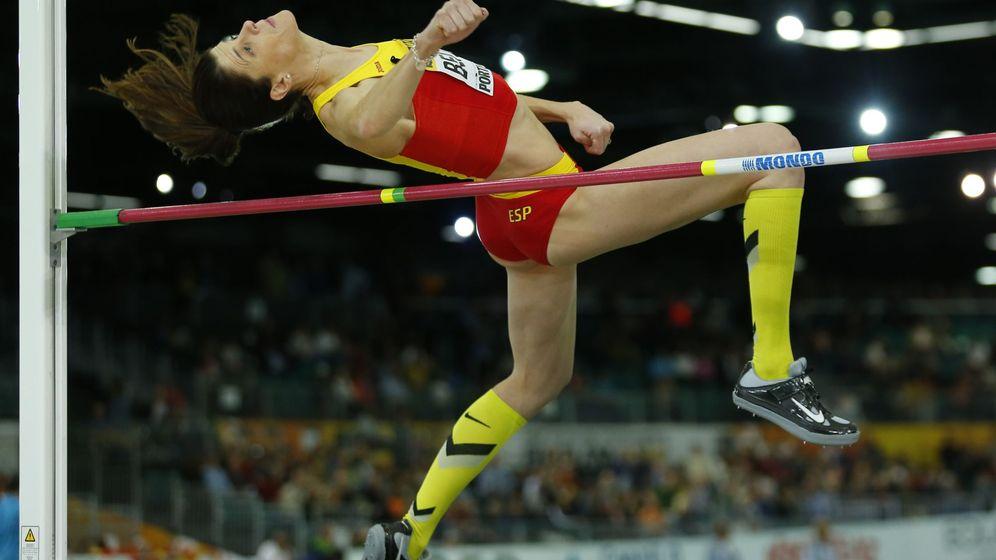 Foto: Beitia franquea el listón en el Mundial (Reuters).