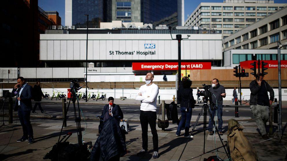 Boris Johnson, estable en la UCI y sin neumonía