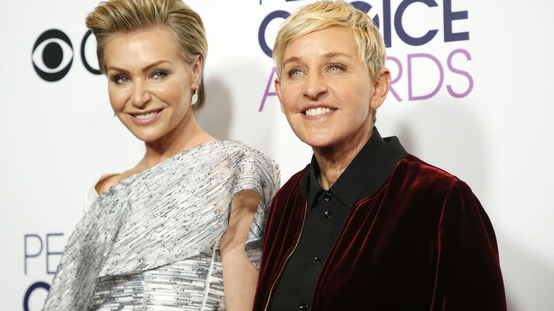 Ellen DeGeneres, con su mujer, la actriz Portia de Rosis. (Reuters)