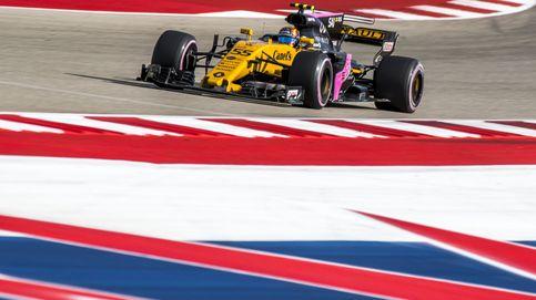 Carlos Sainz le saca una amplia sonrisa a Alain Prost en su debut con Renault