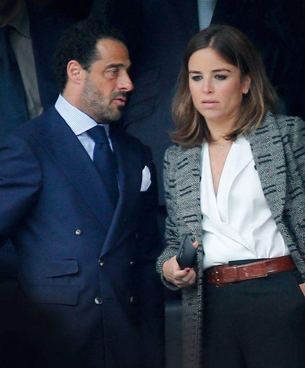 Foto: El presidente de la bodega Marqués de Murrieta con su nueva pareja. (Foto: Grosby)