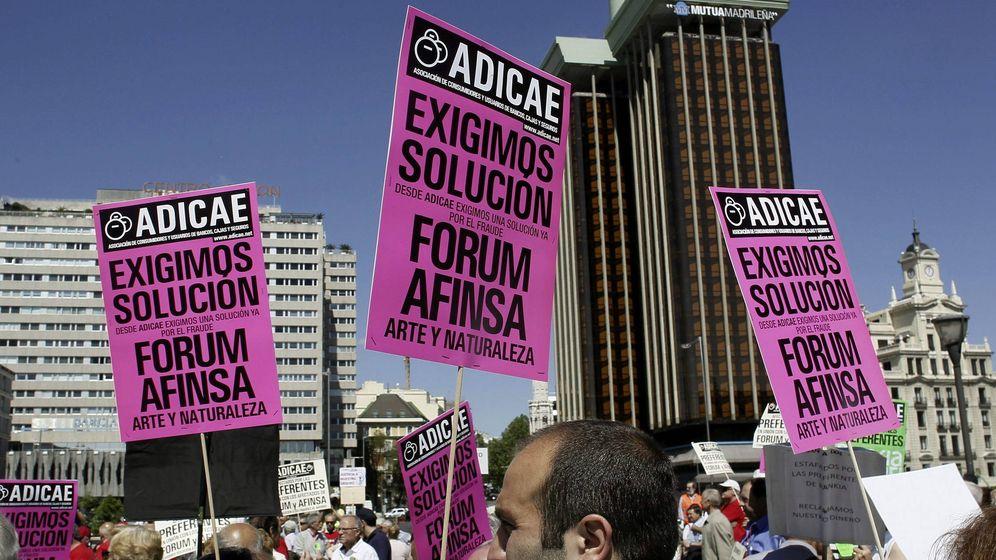 Foto: Asociaciones de afectados de Fórum Filatélico y Afinsa. (EFE)