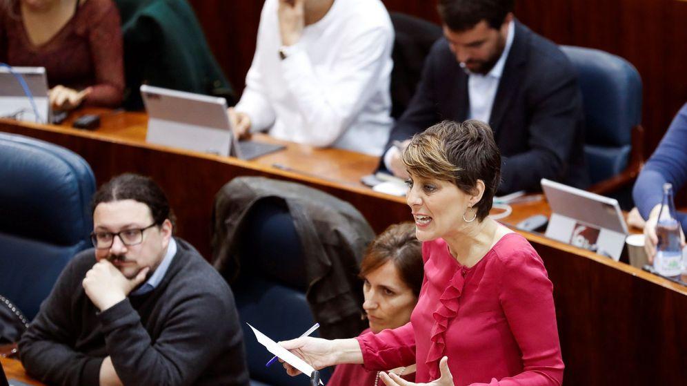 Foto: La portavoz del Grupo Parlamentario Podemos, Lorena Ruiz-Huerta, durante una intervención en el pleno de la Asamblea de Madrid. (EFE)