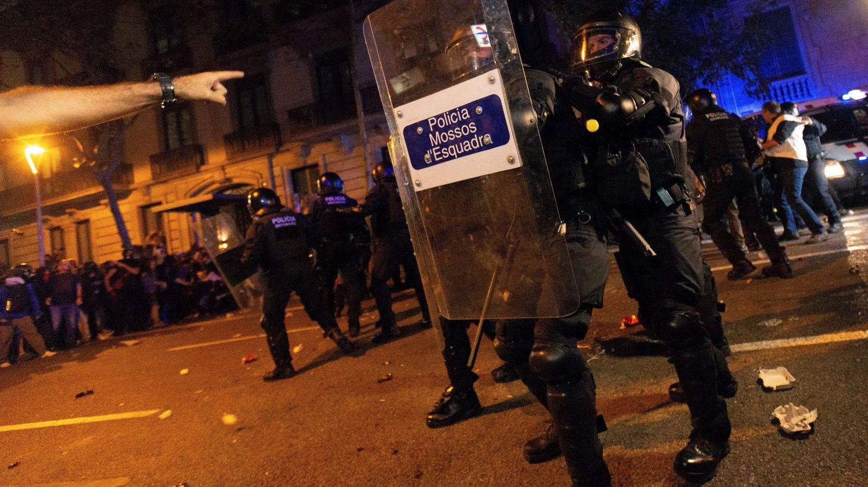 Pinche para ver las imágenes de los disturbios en el centro de Barcelona.