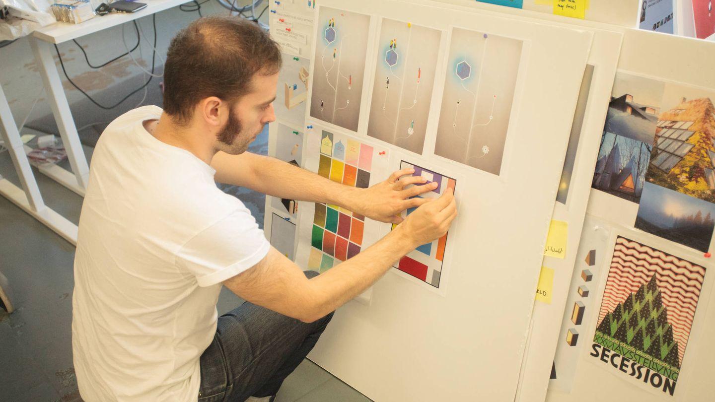 Fernández Huerta, trabajando en el estudio. (USTWO)