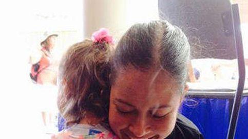 Así es el tierno abrazo sin brazos de Jessica Cox y la pequeña Ruth Evelyn