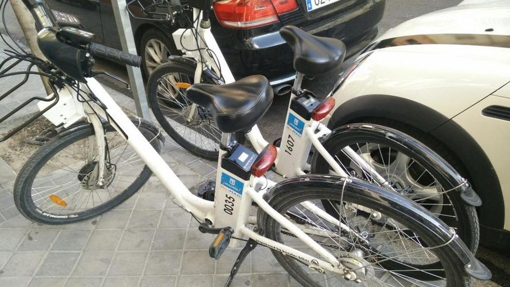 Los madrileños denuncian por Twitter las decenas de bicis abandonadas por la ciudad