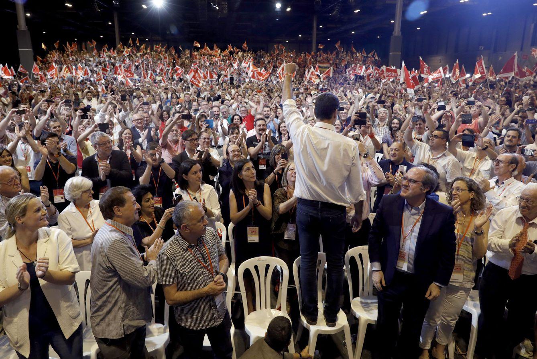 Foto: Clausura del 39º Congreso Federal del PSOE. (EFE)