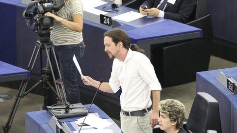Pablo Iglesias lleva el caso de Rato a Bruselas para atacar a De Guindos