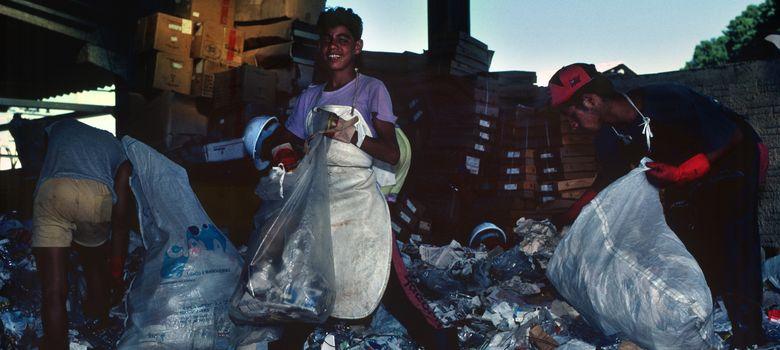 Foto: Existen visitas guiadas para ver y fotografiar el trabajo de los niños de la calle en Río de Janeiro o Delhi. (Corbis)