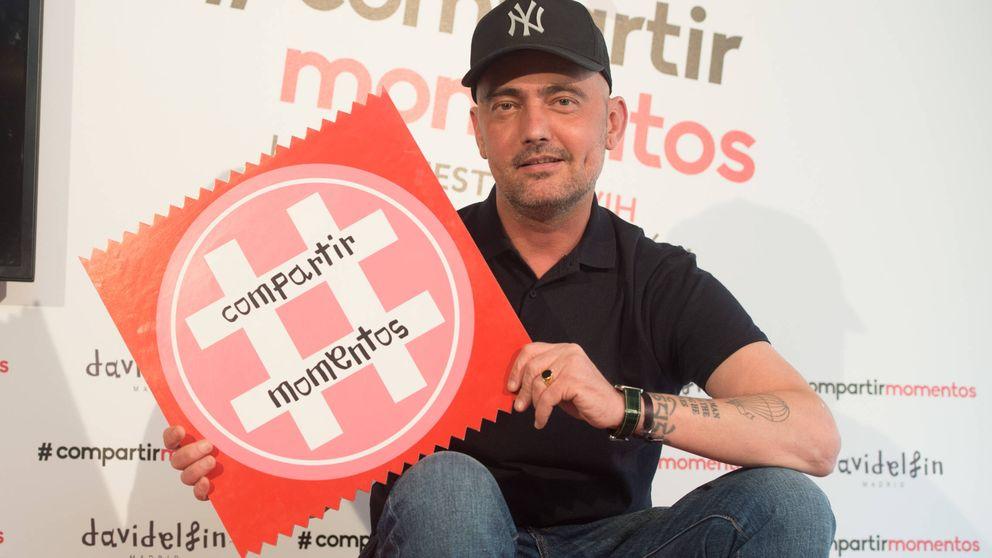 David Delfín, irreconocible en la presentación de la campaña 'Compartir Momentos'
