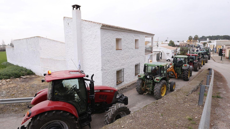 Tractorada en los Llanos de Antequera (Málaga). (EFE)