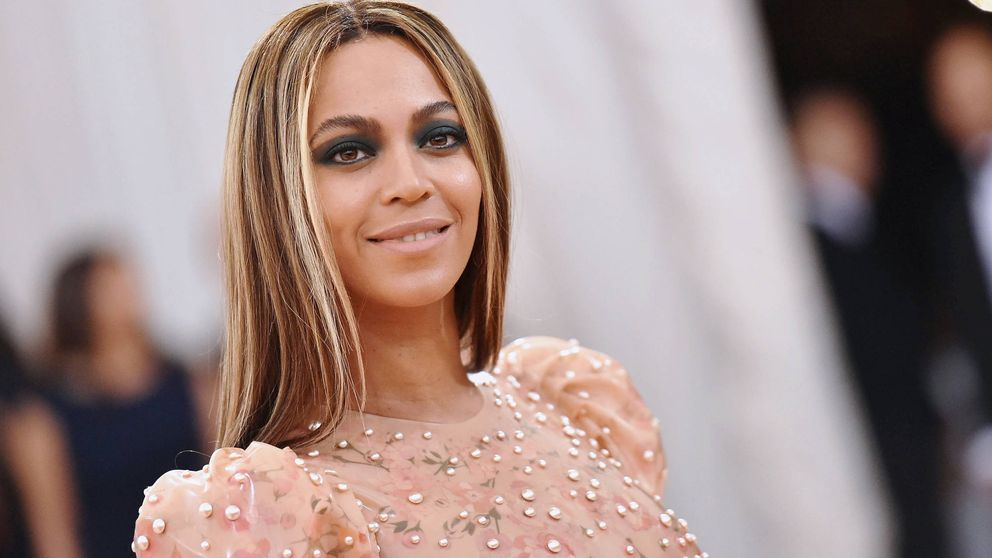 Beyoncé y su bolso, sabemos dónde conseguirlo y nuestras opciones low cost