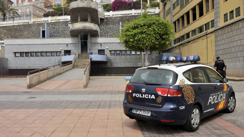Foto: Vehículo policial en Las Palmas de Gran Canaria. (EFE)